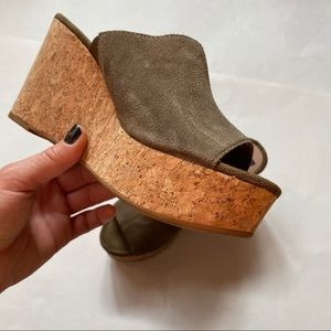Dolce Vita | Wedge Green Faux Suede